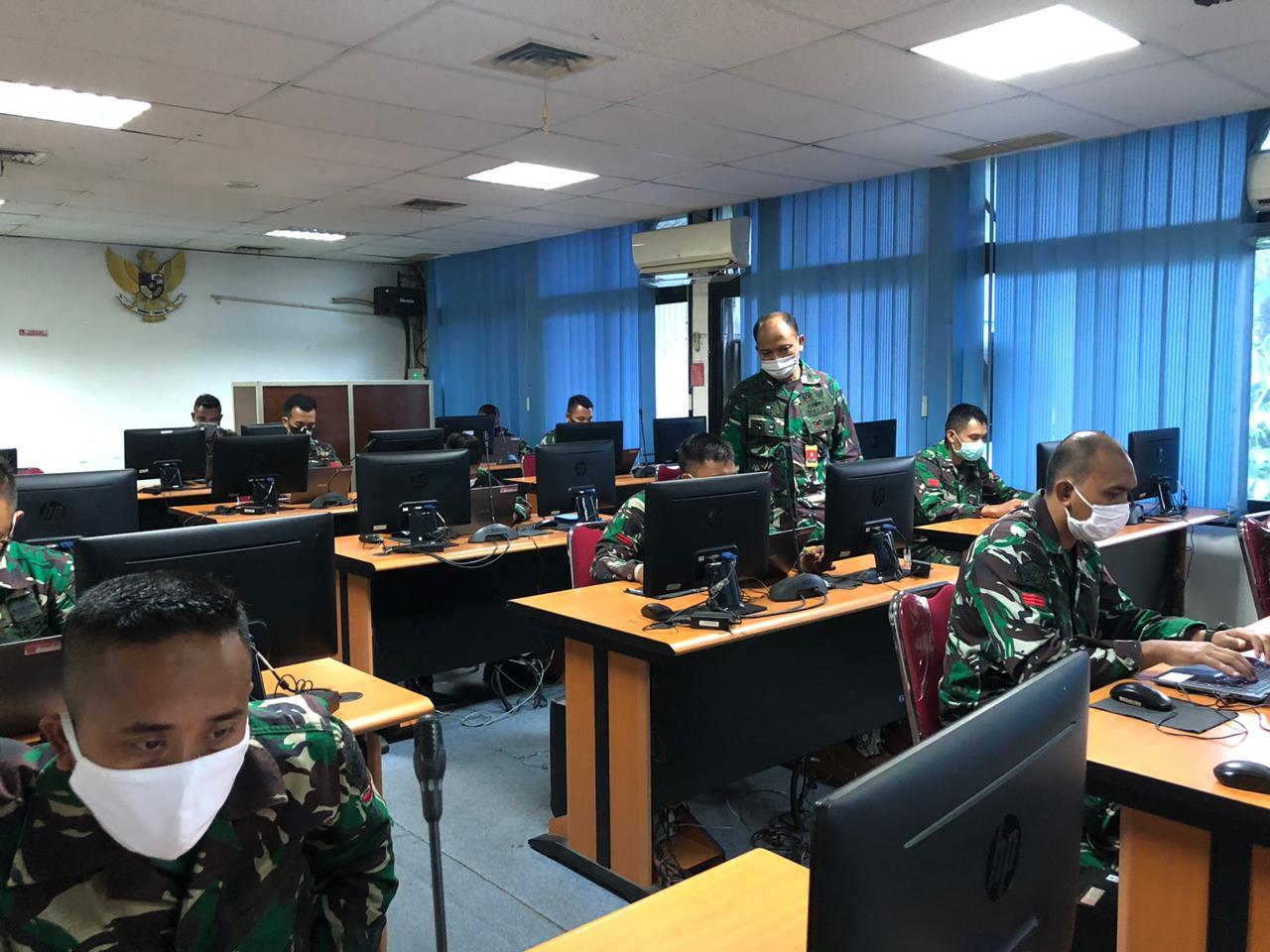 Pusinfolahta TNI Selenggarakan Test Literasi Komputer dengan Protokol Covid-19