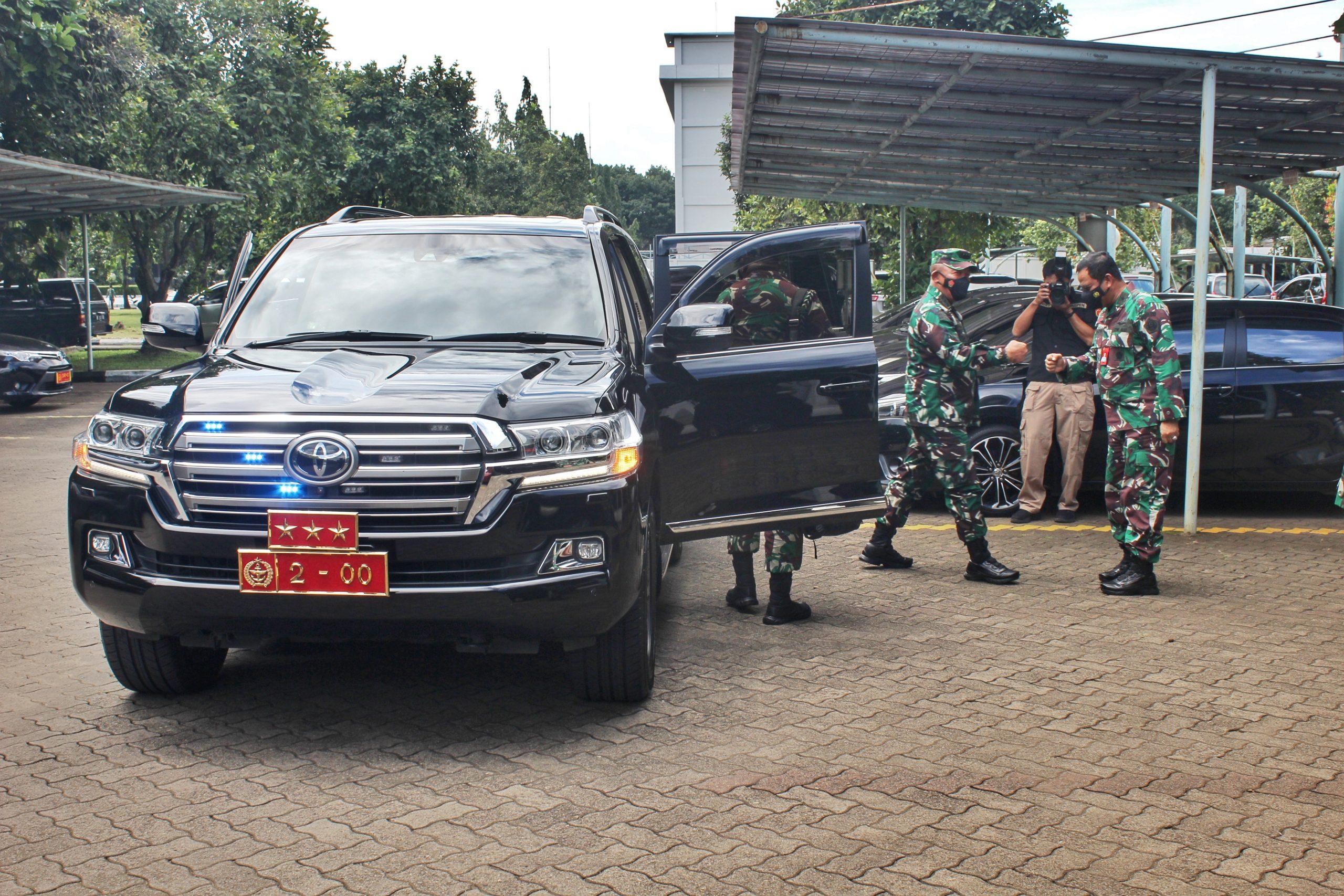 Kunjungan Kerja Kasum TNI ke Pusinfolahta TNI